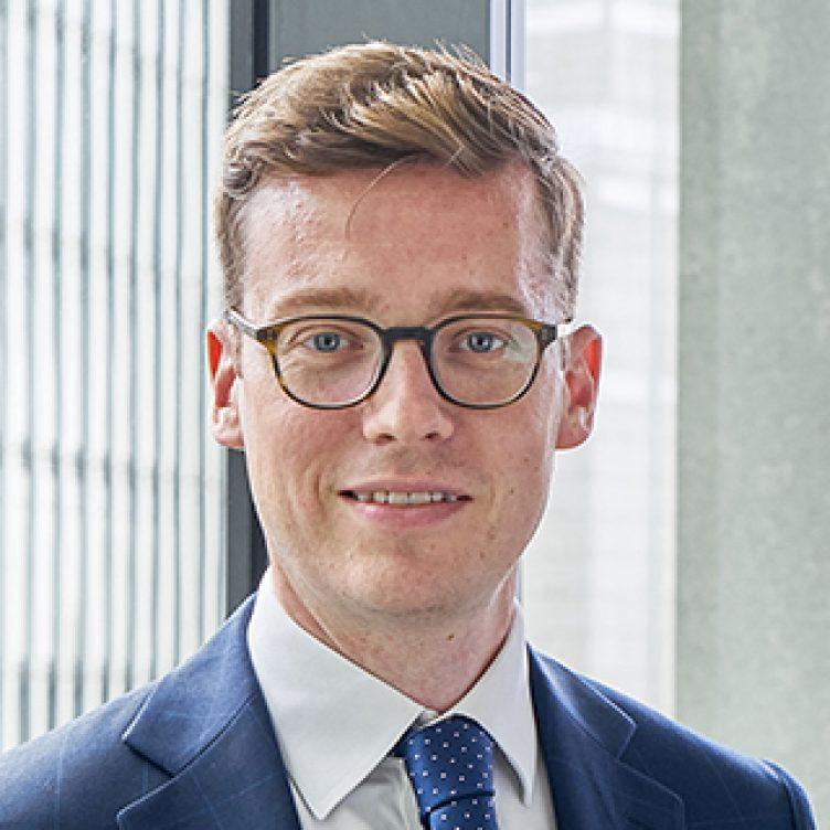 Oliver Fairhurst-associate-commercial litigation-stewarts