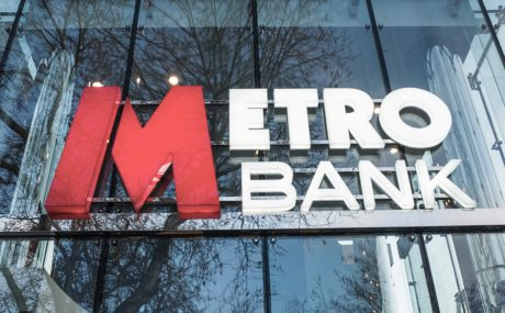 Metro bank logo - accounting error