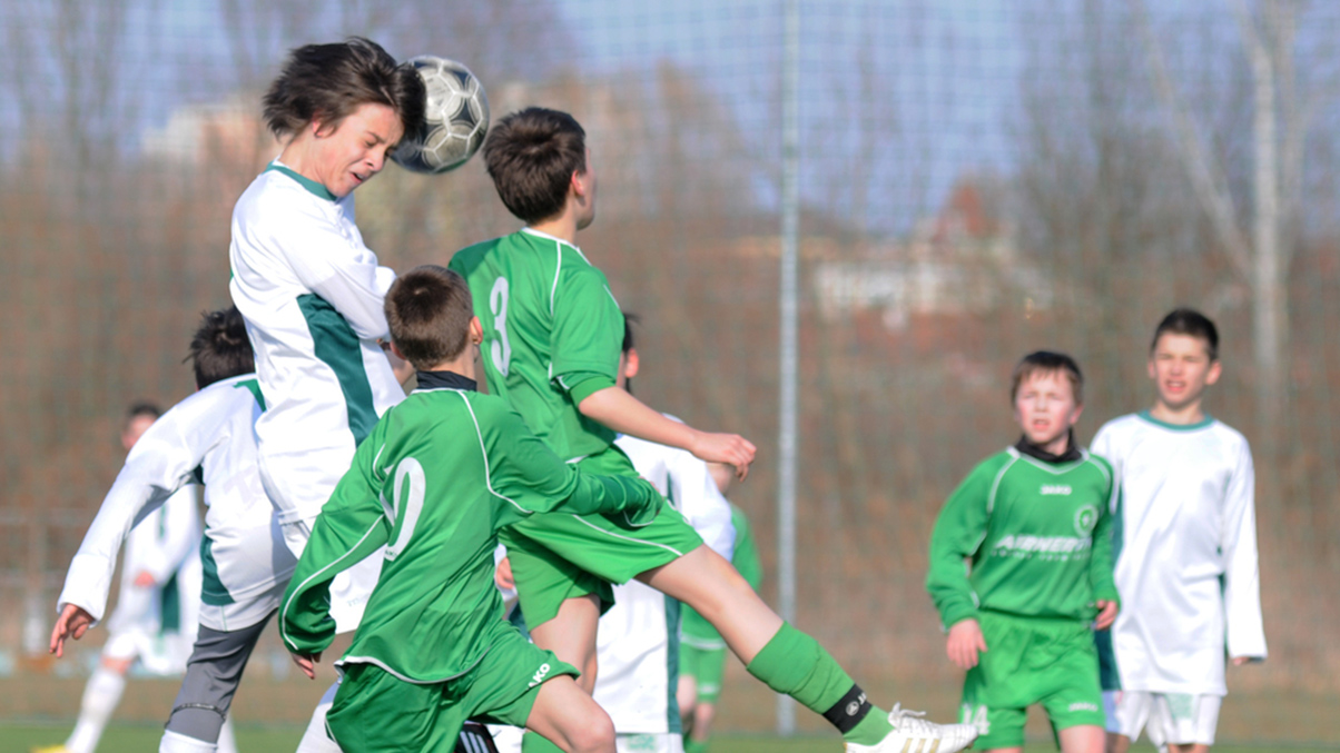 kids- headinjury-football
